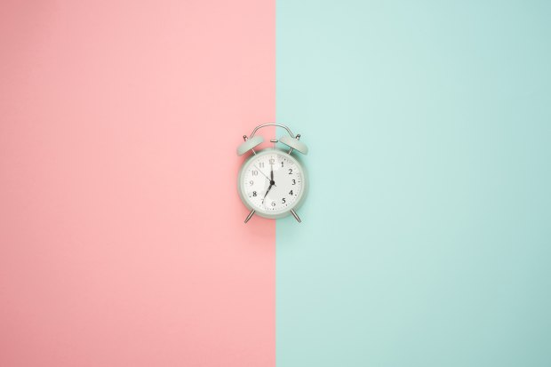 7 oclock clock pink blue